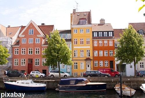 צבירה של דירות ובתים